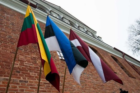 Flags-of-the-Baltic-States-DELFI-Photo-by-T.-Vinickas